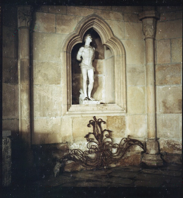 statue in lisbon cathedral